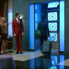 Вход в отель Элеон - фото изнутри